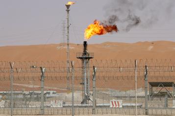 Le pétrole franchit le seuil des 70dollars puis se replie)