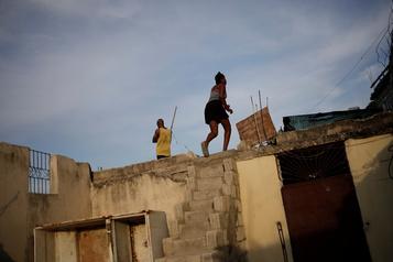 Tempête Laura: Haïti appelle sa population à la prudence)