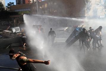 Chili: la fronde sociale ne faiblit pas, le président réunit les partis