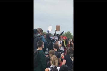 Mort de George Floyd : John Boyega aux côtés de manifestants à Londres)