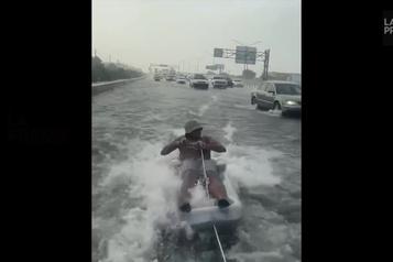 Incroyable mais vrai: du sport aquatique sur l'autoroute )