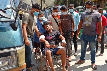 Bangladesh Au moins cinq ouvriers tués par la police lors d'une manifestation)