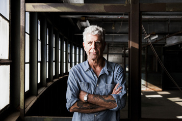 World Travel : An Irreverent Guide Pour garder Anthony Bourdain bien vivant)