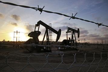 Le pétrole plonge encore à l'approche d'une réunion OPEP+
