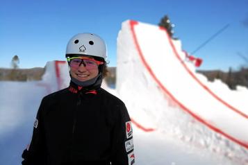 Ski acrobatique Marion Thénault cogne à la porte de l'élite mondiale)