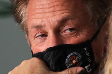 Vaccination Sean Penn suspend un tournage)