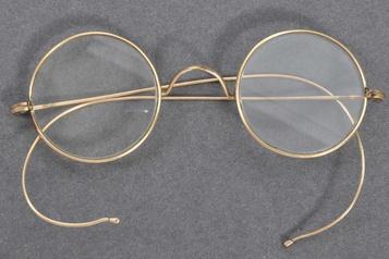 Des lunettes de Gandhi vendues près de 448000dollars aux enchères)
