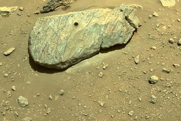 Mars La NASA confirme que Perseverance a prélevé son premier échantillon de roche)