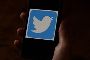 Twitter suspend des comptes qui relaient la parole de Donald Trump)