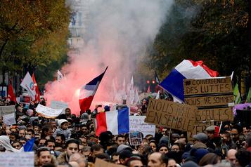 Marche anti-islamophobie à Paris: une étoile jaune cause la polémique