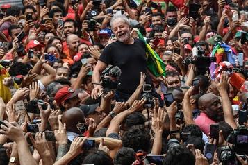 L'ex-président Lula dénonce les «inégalités honteuses» au Brésil