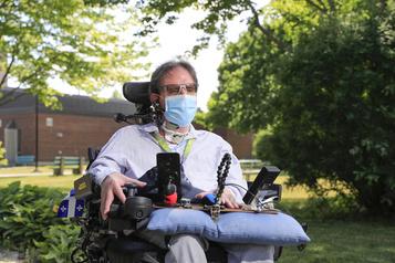 Soins pour personnes handicapées: l'émission Zoom des «oubliés sans parole» )