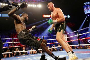 Tyson Fury inflige une première défaite à Deontay Wilder
