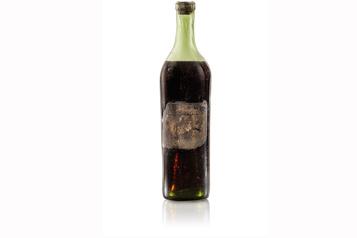 Une bouteille rare de cognac adjugée 200000$)