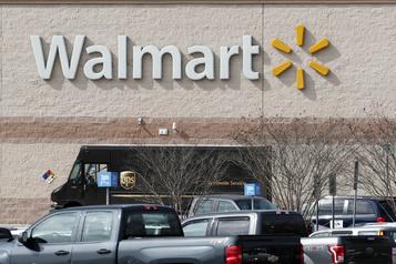 COVID-19 Walmart versera des primes de pandémie à ses employés)