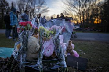 Mort de la fillette de Granby Le jury écoute l'appel au 911