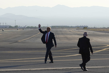 À deux semaines de l'élection, Trump enchaîne les rassemblements)