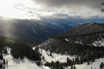 Jamais trop tard pour une belle journée de ski)