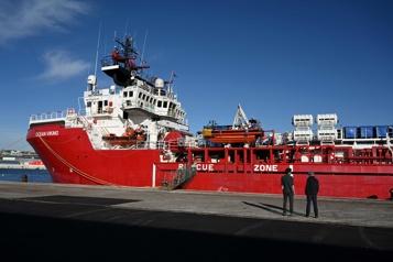 Mer Méditerranée Troisième sauvetage de migrants en 48heures pour l'Ocean Viking)