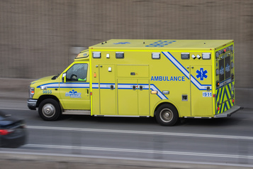 Laval Un mort et deux blessés graves dans une zone de travaux de l'A440)