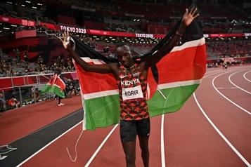 800m Le Kényan Emmanuel Korir sacré champion olympique )