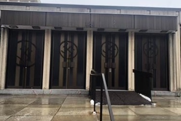 Westmount Des croix gammées sur une synagogue, la communauté juive «choquée» )