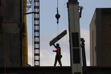 Pénurie de main-d'œuvre Urgent: il faut 13000travailleurs de laconstruction)