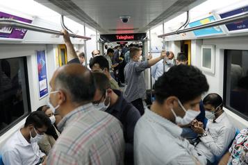 COVID-19: l'Iran dépasse la barre des 12000 morts)