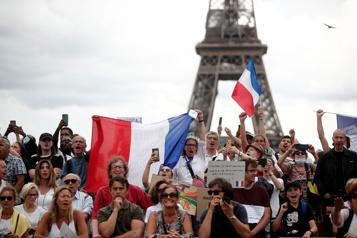France Plus de 160000personnes manifestent contre le passeport sanitaire)