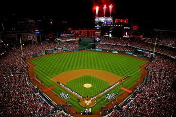 Le début de la saison du baseball majeur repoussé