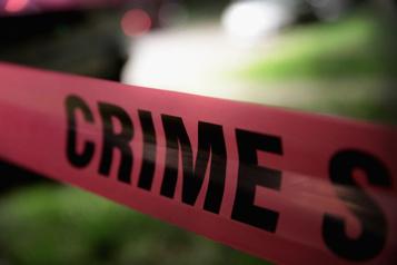 Arizona Un tireur circulant en voiture fait un mort et 12blessés)