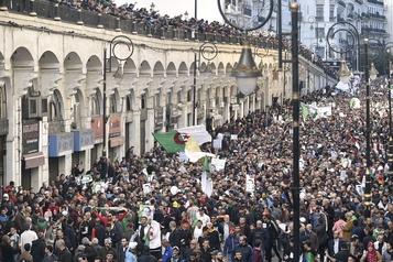 Algérie: les étudiants à nouveau dans la rue contre le régime