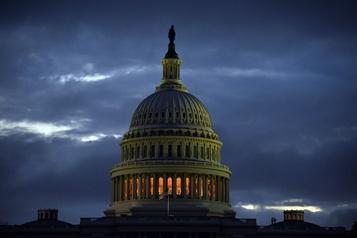 Trump signe un compromis budgétaire pour éviter un shutdown