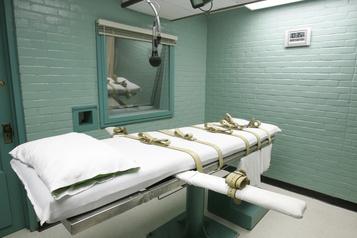 Un tribunal suspend la première exécution fédérale programmée depuis 17 ans)