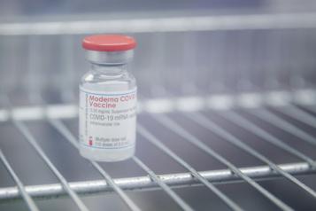 Vaccin Moderna Un million de doses en route)