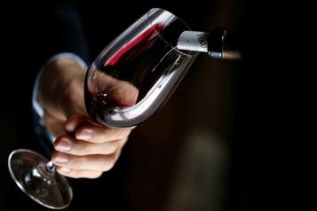 Déclin des ventes de vin: Bordeaux parie sur les vignerons
