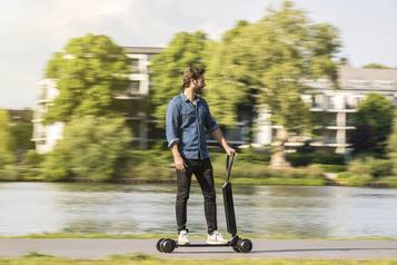 Cinq groupes automobiles qui rêvent de vélos (et de trottinettes) électriques…