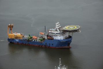 Indonésie Les recherches se poursuivent pour retrouver le sous-marin disparu)