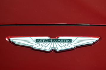 Mercedes-Benz augmente sa participation dans Aston Martin)