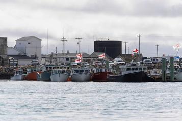 Conflit entre pêcheurs commerciaux et autochtones Le médiateur veut désamorcer la tension en Nouvelle-Écosse)
