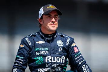 Accident de vélo Fernando Alonso va «bien» et a «hâte de commencer» la saison)