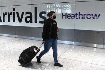 Aéroports européens Heathrow perd sa place de numéro un au profit de Roissy)