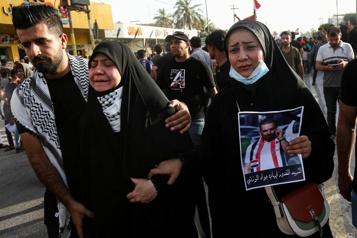 En Irak, un journaliste entre la vie et la mort après l'assassinat d'un militant)