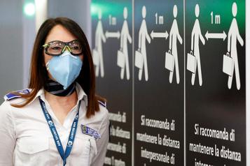 Le bilan de la pandémie dans le monde: plus de 355 000 morts)