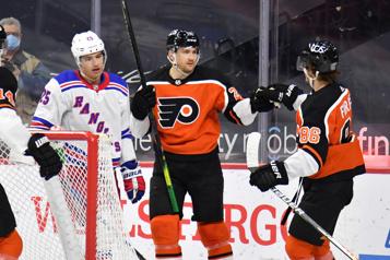 Les Flyers s'imposent 4-3 contre les Rangers)