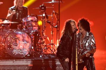 Le batteur d'Aerosmith poursuit son groupe
