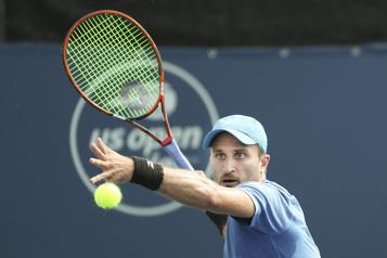 Internationaux de tennis d'Australie Le Canadien Steven Diez atteint le deuxième tour des qualifications)