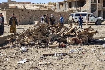 Afghanistan Un attentat à la voiture piégée fait 12morts et une centaine de blessés)