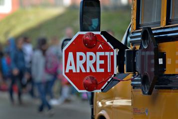 Des chauffeurs d'autobus scolaires veulent être informés des cas de COVID-19)