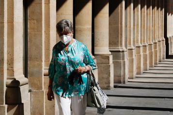 Le masque obligatoire dans certaines zones de Paris à partir de lundi)